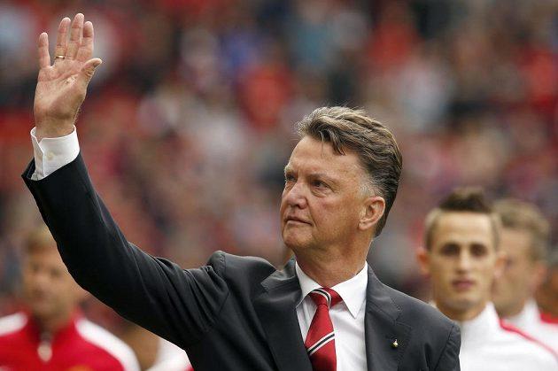 Louis van Gaal si proti Queens Park Rangers s United připsal první výhru.