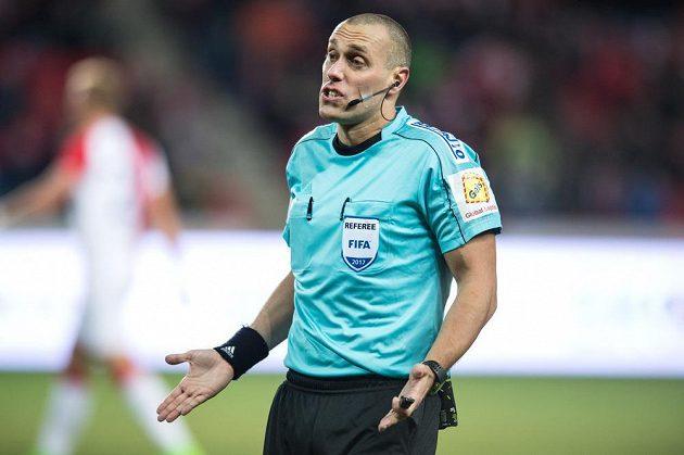 Rozhodčí Miroslav Zelinka.