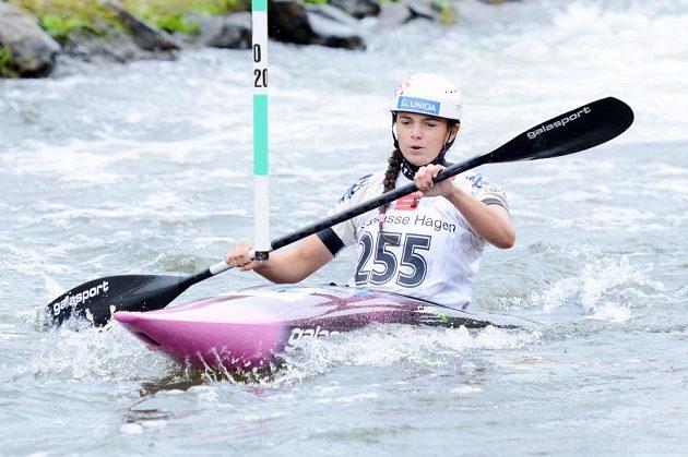 Antonie Galušková napodobila sestru Karolínu a na juniorském evropském šampionátu získala stříbro.