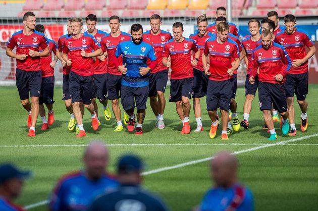 Fotbalisté české fotbalové reprezentace během předzápasového tréninku před utkáním kvalifikace ME 2018, Česká republika - Severní Irsko.