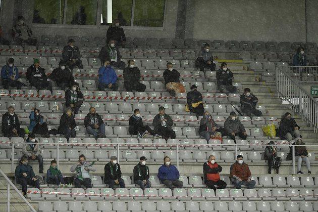 Na zápas se mohli po dlouhé době podívat diváci i přímo na stadionu