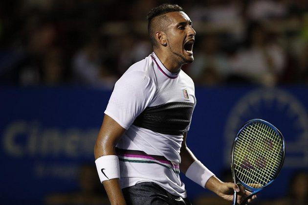 Australský tenista Nick Kyrgios slaví, v mexickém Acapulcu se dostal do semifinále.