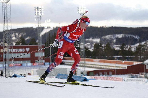 Nor Johannes Thingnes Bö během sprintu ve švédském Östersundu.