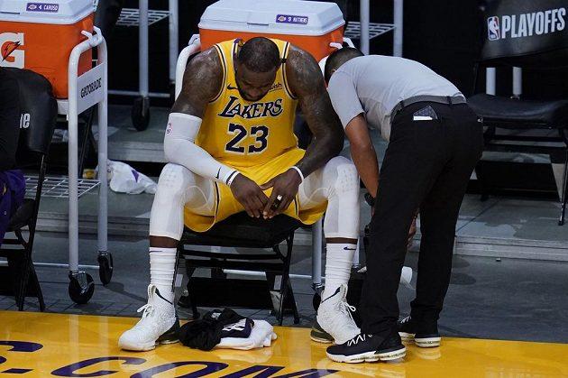 Trenér americké basketbalové reprezentace Gregg Popovich nebude moci podle portálu The Athletic pro olympijské hry v Tokiu počítat s hvězdami LeBronem Jamesem a Anthonym Davisem.