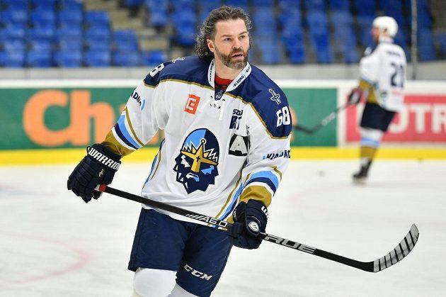 Kladenský hokejový útočník Jaromír Jágr při rozbruslení během utkání Chance ligy s Ústím nad Labem.