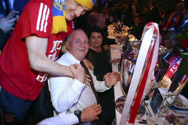 Z triumfu v Lize mistrů se těšil i prezident Bayernu Uli Hoeness.