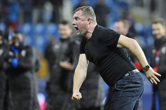 Trenér Plzně Pavel Vrba slaví vítězství svých svěřenců nad AS Řím.