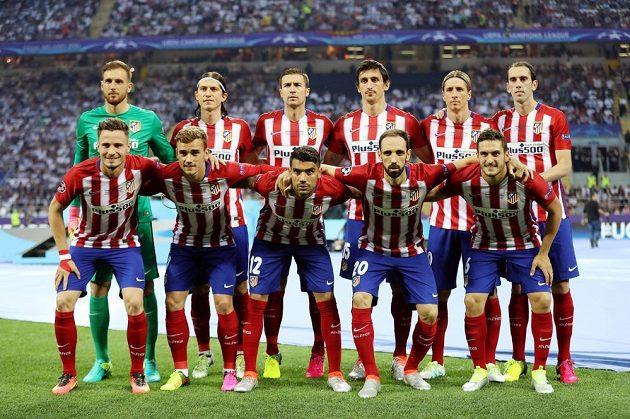 Tým Atletica Madrid před finále Ligy mistrů.