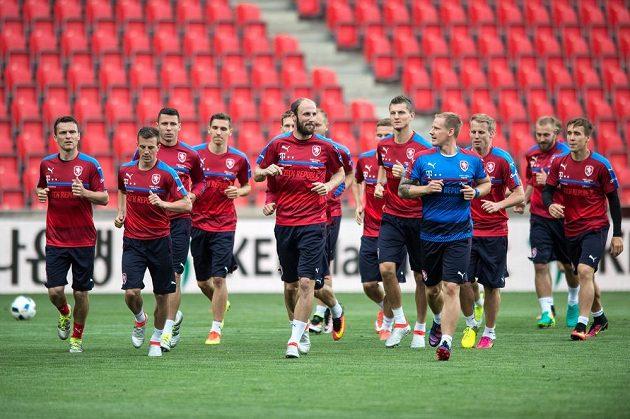 Čeští fotbaloví reprezentanti na tréninku.