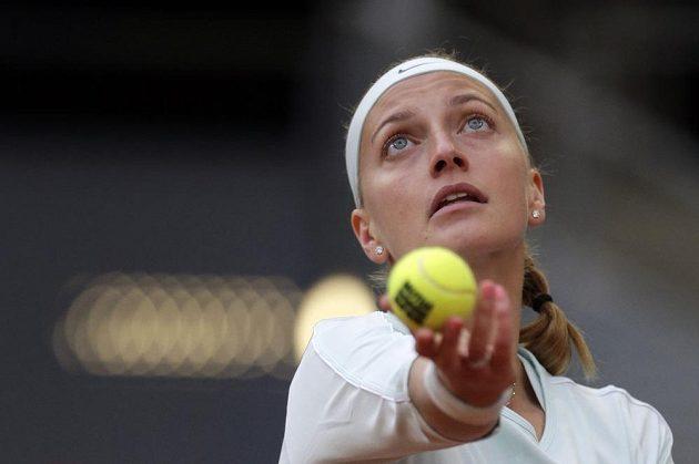 Petra Kvitová se v osmifinále turnaje v Madridu mohla o svůj servis opřít.