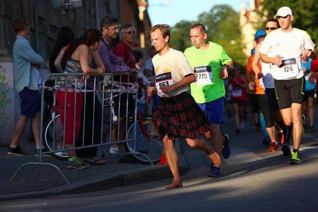Tomáše mezi běžci nepřehlédnete.