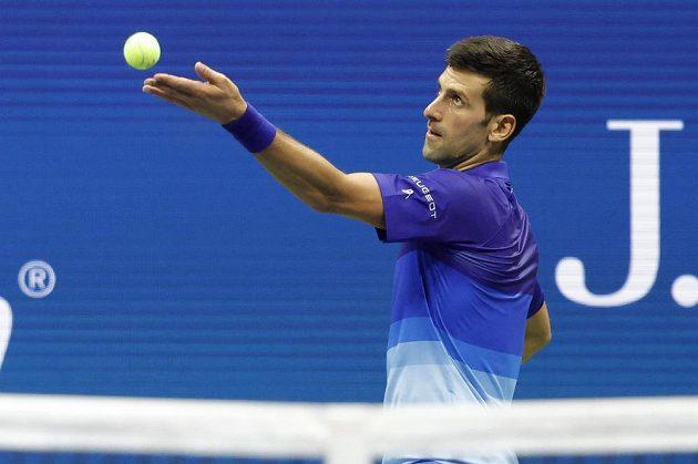 První tenista světa Srb Novak Djokovič porazil na US Open Dána Holgera Runeho.