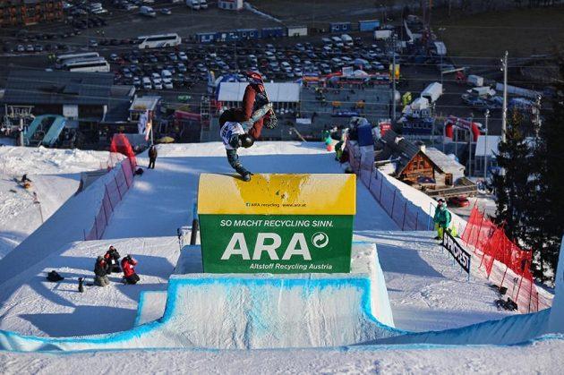 Jan Nečas při soutěži ve slopestylu na mistrovství světa v Kreischbergu.