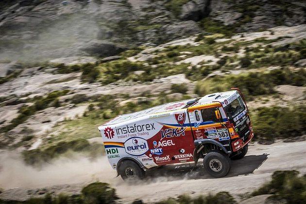 Aleš Loprais s vozem MAN na trati 2. etapy Rallye Dakar.