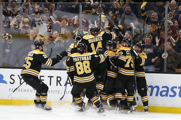 Rozhodnutí přineslo až prodloužení, šťastnější byli hokejisté Bostonu