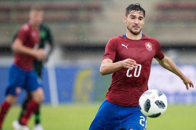 Český záložník Michal Trávník během přípravného utkání s Nigérií.