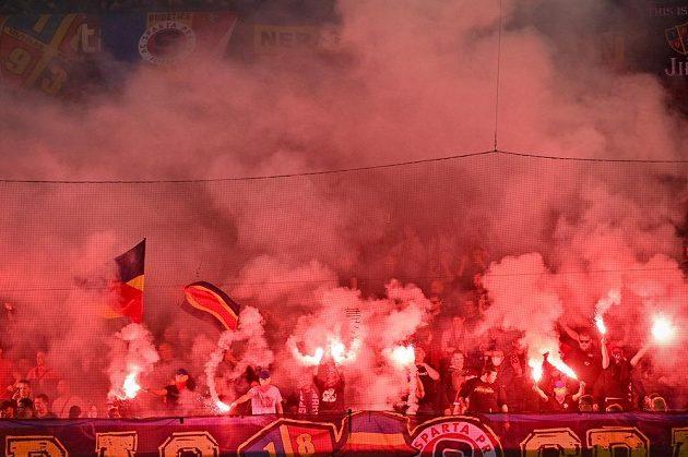 Fanoušci Sparty během derby.