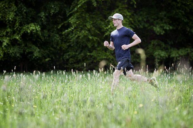 Jan Kubíček běhá v létě, v zimě. Kvalitní příprava se odrazí i na vašich výkonech.