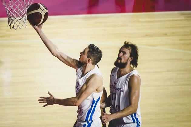 Generálka s porážkou. Čeští basketbalisté zakončili přípravu na mistrovství světa prohrou 79:82 s Litvou.
