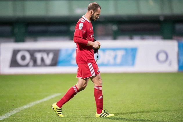 Brankář Baníku Ostrava Petr Vašek po utkání na Dukle.