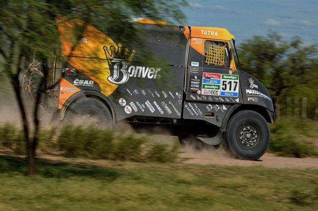 Tomáš Vrátný s vozem Tatra na trati 2. etapy Rallye Dakar.