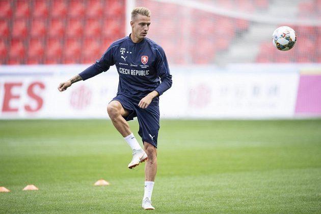Český fotbalista Ondřej Petrák během tréninku reprezentace.