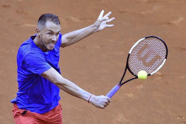 Český tenista Lukáš Rosol v daviscupovém utkání v Bratislavě.