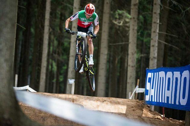 Nino Schurter při tréninku před MS v Novém Městě na Moravě.