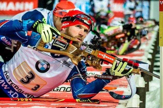Michal Šlesingr na střelnici.