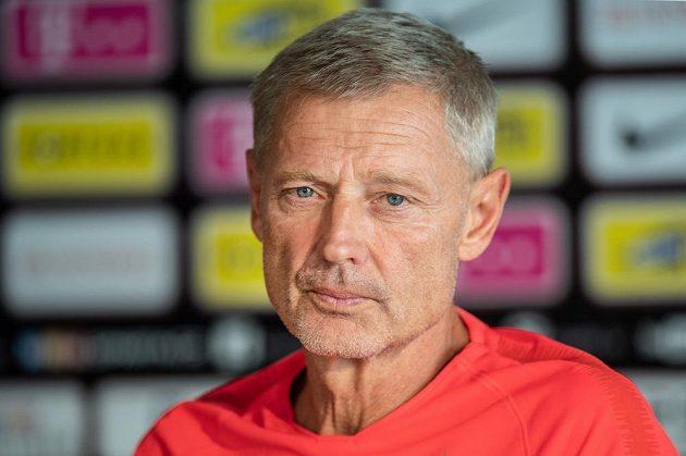 Zdeněk Ščasný během tiskové konference před odvetou se Suboticí.