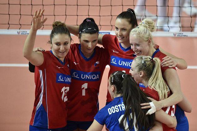 České volejbalistky vyhrály nad Švédskem a slaví. Stejně jako loni si zahrají v Evropské lize Final Four.