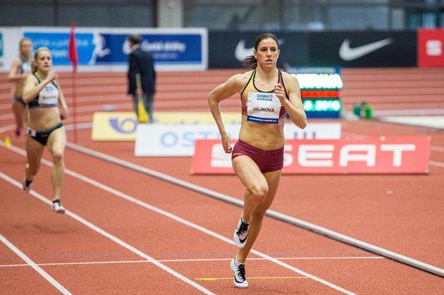Zuzana Hejnová v semifinále závodu na 400 metrů na halovém mistrovství ČR v atletice.