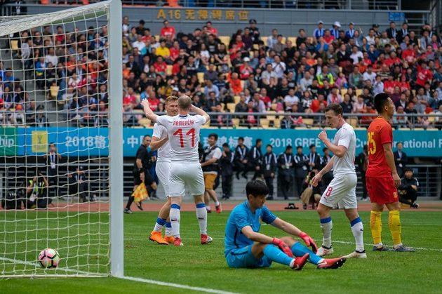 Michael Krmenčík oslavuje svoji trefu proti Číně.