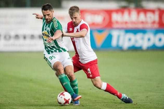 Jevgenij Kabajev z Bohemians a Jakub Jugas ze Slavie v utkání čtvrtého kola HET ligy.