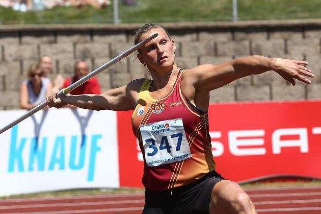 Oštěpařka Barbora Špotáková na mistrovství republiky v Třinci.