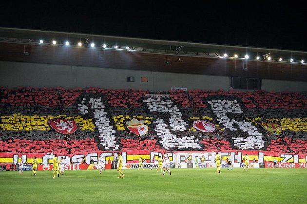 Choreo fanoušků Slavie Praha ke 125. výročí klubu během utkání základní skupiny Evropské ligy s Villarrealem.