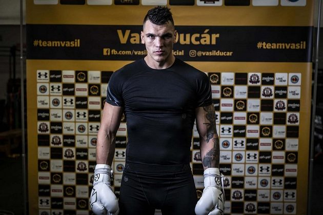 Český profesionální boxer Vasil Ducár se opět ukáže v bitvě s věhlasným sokem. V ringu se mu 11. září postaví Ryan Rozicki.