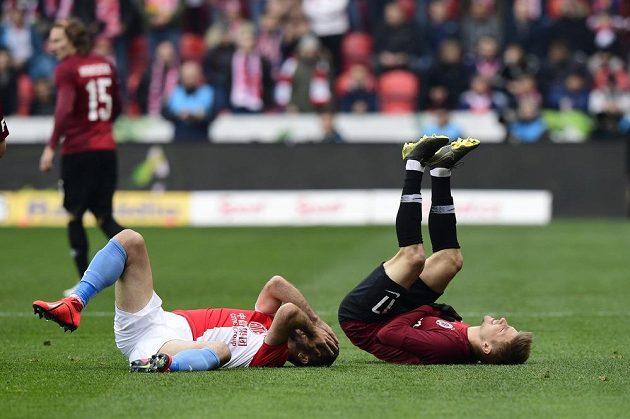 Situace po jednom ze střetů v derby Slavia - Sparta.