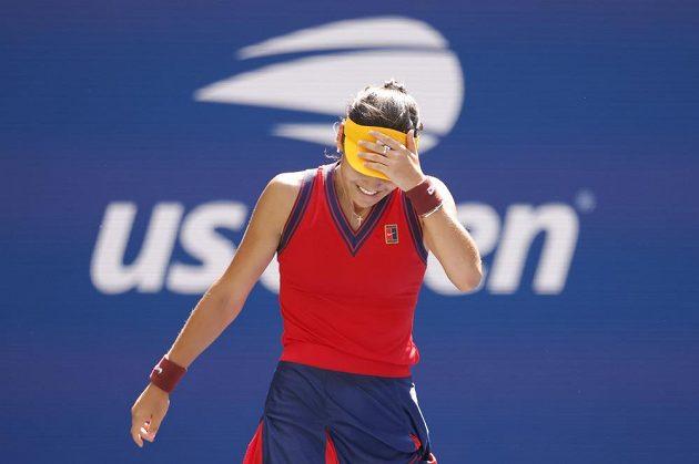 Osmnáctiletá tenistka Emma Raducanuová senzačně prošla na US Open z kvalifikace do semifinále.