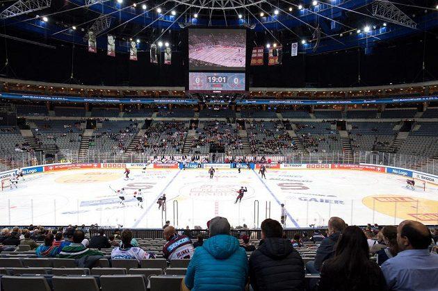 Diváků na utkání LM Sparta - Oulu do O2 Areny moc nepřišlo.