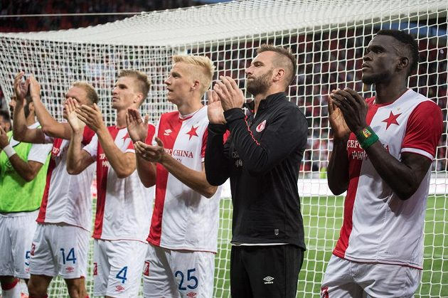 Fotbalisté Slavie po utkání 3. předkola Ligy mistrů s Bate Borisov.