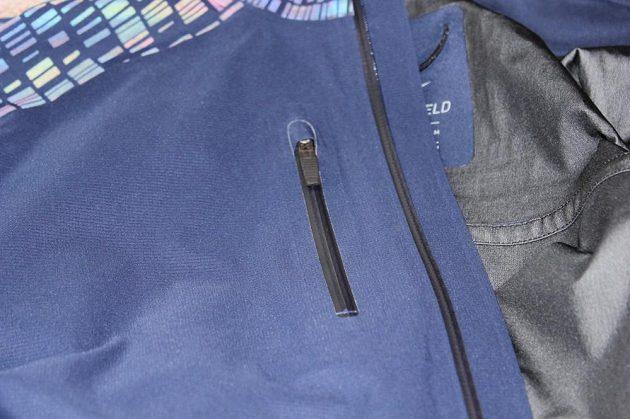 Běžecká bunda Nike HyperShield Flash: Náprsní kapsa s voděodolným zipem.