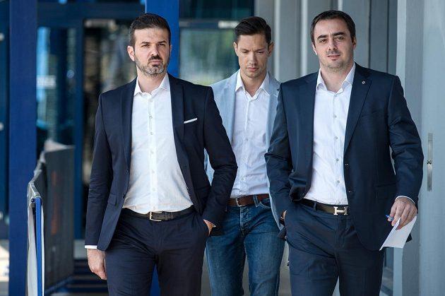 Nový trenér Sparty Praha Andrea Stramaccioni (vlevo) a generální ředitel klubu Adam Kotalík.