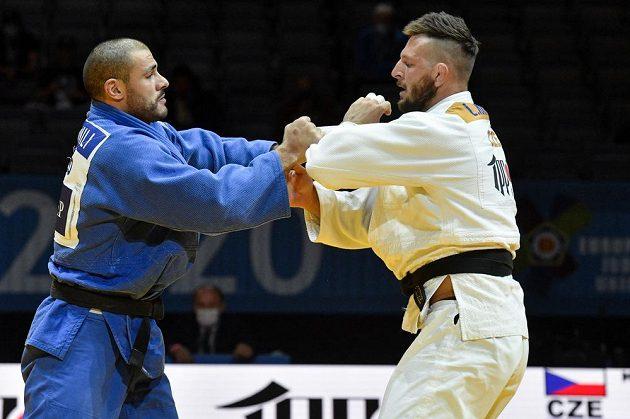 Judista Lukáš Krpálek z ČR (vpravo) a Guram Tušišvili z Gruzie v souboji o bronz na šampionátu v Praze.