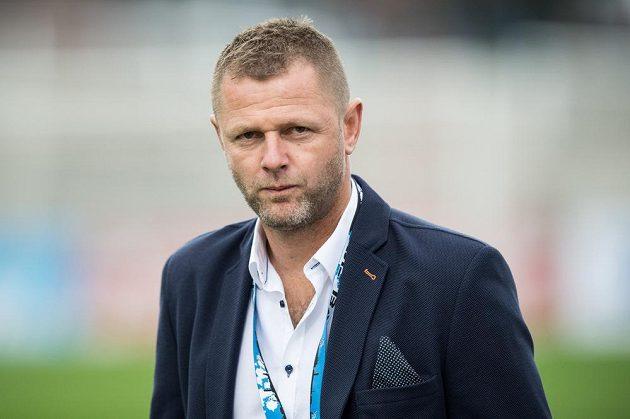 Trenér Baníku Ostrava Radim Kučera během utkání 7.kola HET ligy na stadiónu Juliska v Praze.