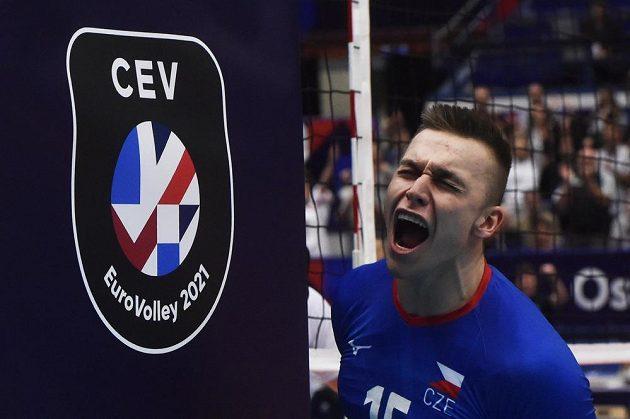 Lukáš Vašina jásá po postupu do čtvrtfinále.