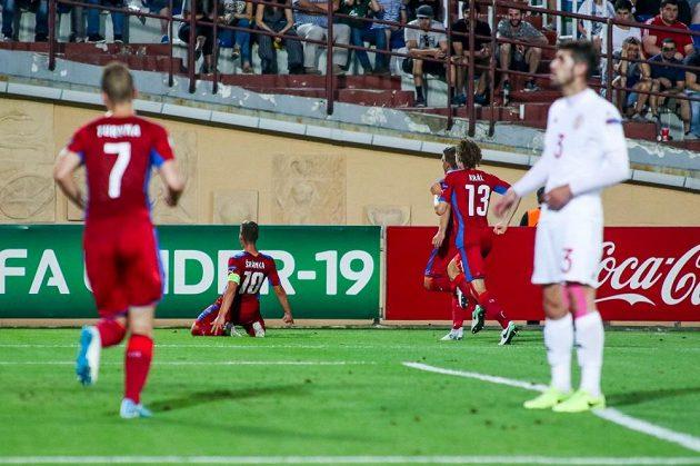 Kapitán Ondřej Šašinka (10) se raduje ze svého gólu proti Gruzii.
