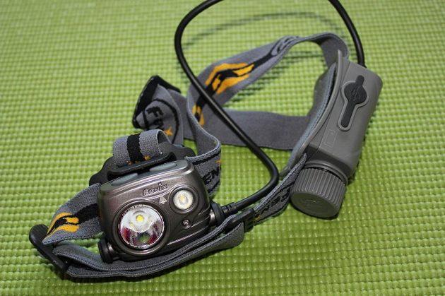Čelovka Fenix HP25R: Celkový pohled.