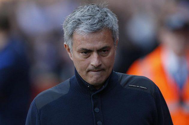 Zklamaný manažer Chelsea José Mourinho po prohře na hřišti Crystal Palace.