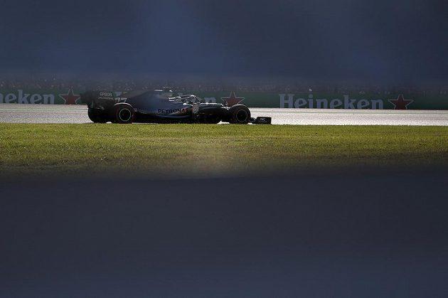 Fin Valtteri Bottas na trati v Japonsku.
